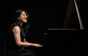 Virtuoso Pianist Zhang Zuo Inspires, Teaches Three Students and Audience During Special Masterclass